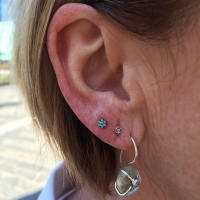 anatometal uk blue lotus piercing lobe swarovski flower